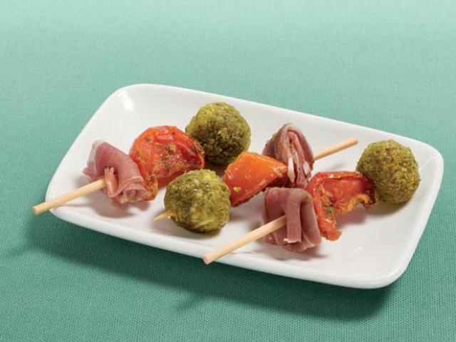 Mini brochette antipasti